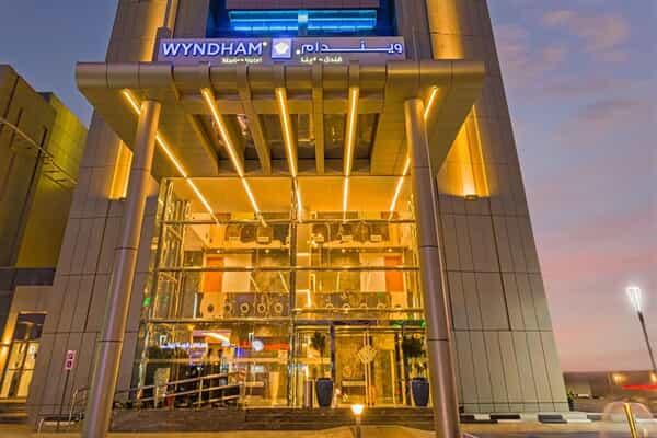 Отель Wyndham Dubai Marina