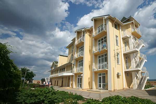 Отель Золотой Пляж (Береговое)